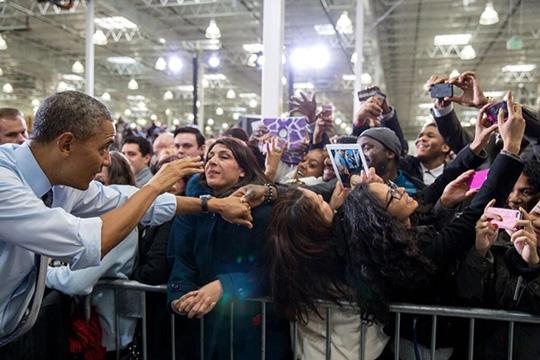 ObamaSelfies